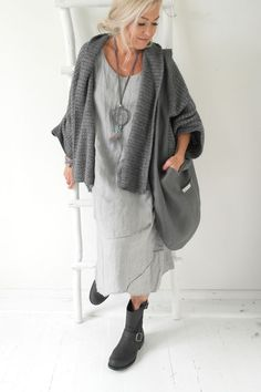 Best Outfits For Women Over 50 - Fashion Trends Mode Outfits, Casual Outfits, Fashion Outfits, Womens Fashion, Fashion Trends, Fashion Over 50, Look Fashion, Mode Ab 50, Boho Mode