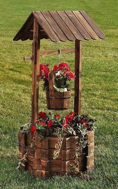 22 Most Amazing Flower Decorations For Unique Backyard Look 22 Most Amazing Flower Decorations For Unique Backyard LookYour backyard and garden deserve just the right amount of attention as your front Outdoor Planters, Flower Planters, Garden Planters, Diy Garden, Garden Art, Garden Design, Outdoor Projects, Garden Projects, Wishing Well Garden