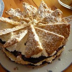 Knusper-Friesentorte mit Pflaumenmus