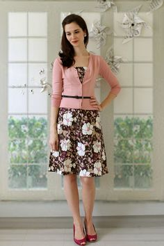 this look from the ModCloth Style Gallery! Cutest community ever. Casual Dress Outfits, Casual Summer Dresses, Cute Church Outfits, Cute Outfits, Modest Fashion, Fashion Dresses, Look Vintage, Retro Vintage, Vintage Outfits