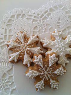 Christmas Snowflake Cookies #christmas #yule #cookies