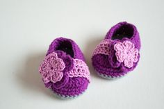 This is a listing for the Berry Crochet Baby Booties. The price is for the PATTERN only, not the finished product! ***INSTANT DOWNLOAD***