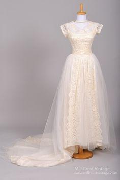 1950 Appliqued Lace Vintage Wedding Gown , Vintage Wedding Dresses - 1950 Vintage, Mill Crest Vintage  - 1