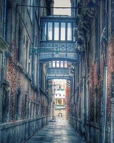 Venice, Italy Street Art, Venice Italy, Photography, Linen Fabric, Kunst, Minerals
