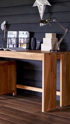 Kompakter Schreibtisch Aus Massivem Teakholz