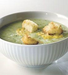 Broccolisuppe med ostecroutoner - den lækreste opskrift på suppe