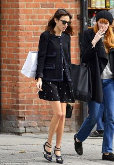 Alexa Chung shopping in NYC with friends | October 9, 2013