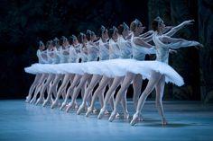 Corps-La Bayadere at the Paris Opera Ballet (2010)