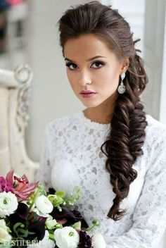 20 classy hairstyles for wedding guests. Top 20 hairstyles to wear at a wedding. Guest hairstyles for every kind of wedding. 20 classy hairstyles for wedding guests. Top 20 hairstyles to wear at a wedding. Guest hairstyles for every kind of wedding. Classy Hairstyles, Side Hairstyles, Braided Hairstyles For Wedding, Hairstyle Look, Trending Hairstyles, Bridal Hairstyles, Gorgeous Hairstyles, Vintage Hairstyles, Bridal Hair