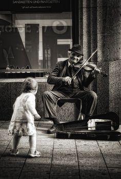 E a música não deixa ng parado!!