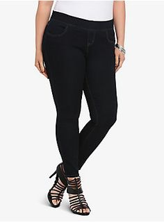Our lean jean is an effortless style to pull on that lets you pull off a totally sleek look. This form-flattering denim gives the oh-so-comfortable fit you adore from the jegging but it lets you slide 'em on and go with ease. It's complete with a higher waistband, faux front fly and pockets for a sexy silhouette.