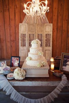 Three-Tiered Traditional White Cake | That Special Touch Cakes https://www.theknot.com/marketplace/that-special-touch-cakes-pearl-ms-392030 | Flora, Mississippi | Kendall Poole Event Planning https://www.theknot.com/marketplace/kendall-poole-event-planning-jackson-ms-431632 | Lauren F. Liddell Photography https://www.theknot.com/marketplace/lauren-f-liddell-photography-brandon-ms-422222