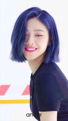 Kpop Short Hair, Girl Short Hair, Cute Korean Girl, Asian Girl, Kpop Girl Bands, Bob Hairstyles, Korean Hairstyles Women, Cool Hair Color, Blue Hair