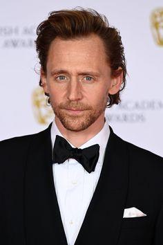 Thomas William Hiddleston, Tom Hiddleston Loki, Gorgeous Men, Beautiful People, Loki Wallpaper, White Toms, James Norton, Snapchat Picture, Royal Albert Hall