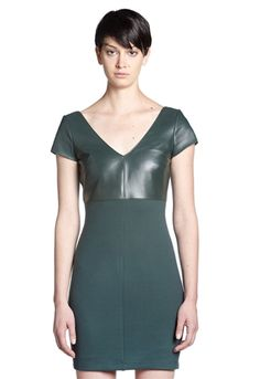 Bailey 44 Dante Leather V-Neck Dress is a beautiful take on the leather trend and we love the body skimming silhouette.