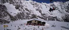 Big & Busy Vs Small & Chic: Chamonix Vs Courmayeur - Read more at http://momentumski.com/big-busy-small-chic-chamonix-courmayeur/
