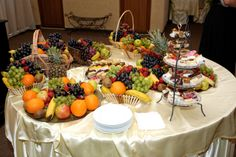 fruits and sweets Cobb Salad, Sweets, Table Decorations, Fruit, Food, Home Decor, Decoration Home, Gummi Candy, Room Decor