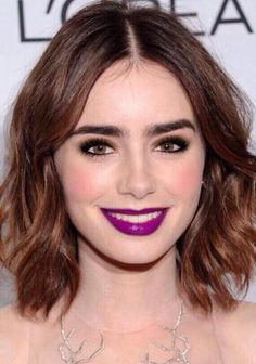 Hair Styles Lily Collins Has a Party-Perfect Makeup Look. The lips! The hair! Drool over this Lily Collins look and then copy it for your next holiday party. Lily Collins Makeup, Lily Collins Hair, Trendy Haircuts, Long Bob Hairstyles, Prom Hairstyles, Hairstyle Ideas, Hair Ideas, Medium Hair Styles, Short Hair Styles
