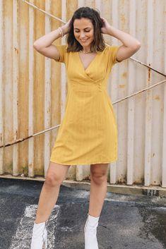 Trendy & affordable women's boutique shopping at The Copper Closet. Mustard Yellow Outfit, Yellow Outfits, Cute Outfits, Shopping Shopping, Online Shopping, Boutique Clothing, Fashion Boutique, Long Sleeve Flowy Dresses, Envelope Skirt