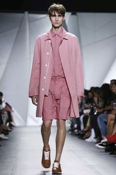 Lacoste Ready To Wear Spring Summer 2015 New York Live Fashion, Fashion Show, Runway Fashion, Mens Fashion, Casual Wear For Men, Fashion Week 2015, Mean Girls, Spring Summer 2015, Men's Collection