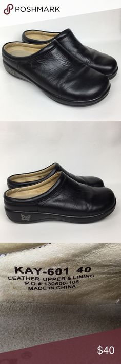 ALEGRIA Sz 9/40 Black Leather Clogs Slides Mules. Pre owned, good used condition. Alegria Shoes Mules & Clogs