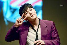 Dong hyuk (DK) ♡ iKON ♡ #iKON_Donghyuk #kpop Yg Entertainment, Kim Jinhwan, Ikon Debut, Kim Dong, Man In Love, Beautiful Boys, Kpop, Boyfriend, Angel