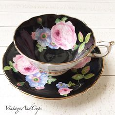 Paragon black with pink roses