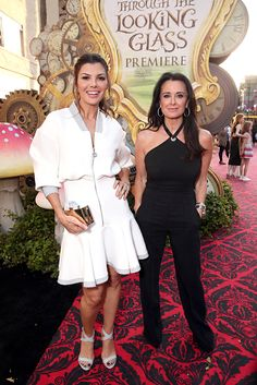 The #RHOBH mom stunned on the red carpet in all black.