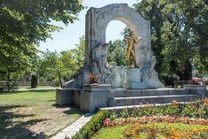 Stadtpark - Statue Johann Strauss | STADTBEKANNT - Das Wiener Online Magazin Johann Strauss, Austria, Sidewalk, Statue, Water, Vienna, Urban Park, Walkway, Gripe Water