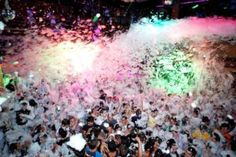 Foam Party on Friday with my girl and her girls. It will be too much fun! Riviera Maya, Birthday Bash, It's Your Birthday, Ibiza Party, Foam Party, Beach Bonfire, Water Party, Cute Posts, Ideas Para Fiestas