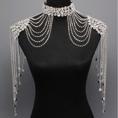 Bridal Couture Steampunk GLAMOUR Crystal Shoulder Neck Choker Body Necklace (I'm picturing pearls and beads) Shoulder Jewelry, Shoulder Necklace, Body Necklace, Mode Costume, Neck Choker, Glamour, Diesel Punk, Body Jewelry, Ideias Fashion