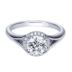 Round Brilliant Diamond Halo Engagement Ring with a split shank!