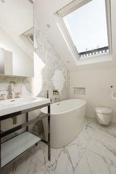 Trendy bathroom photo in London with a console sink a freestanding tub marble floors open cabinets white walls and marble tile. Bathroom Goals, Bathroom Photos, Luxury Home Decor, Luxury Homes, Console Sink, Open Cabinets, Bathroom Interior Design, Bathroom Designs, Bathroom Ideas