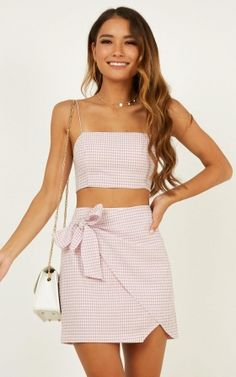Chic and casual outfits 2019 charming, spring summer outfits ideas nice gorgeous teen fashion outfits 80s Style Outfits, 2 Piece Outfits, Two Piece Outfit, Girly Outfits, Cute Summer Outfits, Skirt Outfits, Spring Outfits, Trendy Outfits, Fashion Outfits