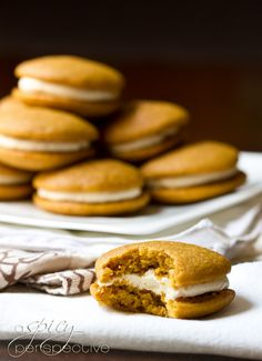 Fluffy Pumpkin Whoopie Pie via A Spicy Perspective Pumpkin Recipes, Fall Recipes, Sweet Recipes, Holiday Recipes, Yummy Recipes, Delicious Desserts, Dessert Recipes, Yummy Food, Pumpkin Whoopie Pies