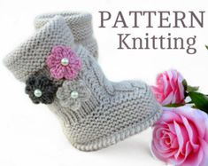 Items similar to no 072 Charlie Baby Boots PDF Pattern on Etsy Knitted Baby Outfits, Knit Baby Booties, Crochet Baby Clothes, Crochet Baby Shoes, Baby Boots, Baby Girl Shoes, Baby Knitting Patterns, Baby Girl Patterns, Baby Booties Free Pattern