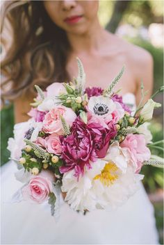 Such a pretty wedding bouquet! :)