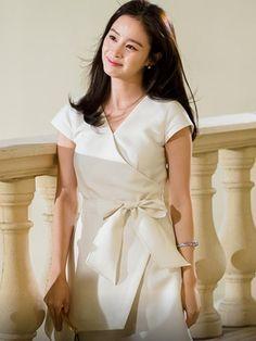 Kim Tae Hee And Rain, Korean Beauty, Asian Beauty, Sulli Choi, Wonder Girls Members, Yong Pal, Hyun Kim, Lee Bo Young, Yoo Ah In
