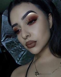 Eye Makeup Glitter, Eye Makeup Tips, Fall Makeup, Makeup Goals, Eyeshadow Makeup, Makeup Cosmetics, Eyeshadow Brushes, Makeup Brushes, Makeup Hacks
