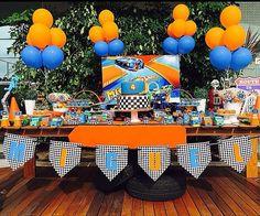 Festa Hot wheels - festa Carros, nas cores azul e laranja