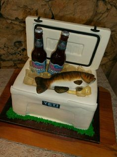 Yeti Cooler Cake all edible.