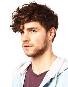 Trendy Men's Hairstyles And The Best Haircuts For 2019 Men Haircut Curly Hair, Wavy Hair Men, Curly Hair Cuts, Long Curly Hair, Curly Hair Styles, Undercut Hairstyles, Messy Hairstyles, Men Undercut, Formal Hairstyles