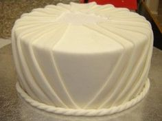 how to pleat fondant - This the most beautiful, elegant fondant technique that I have ever seen!