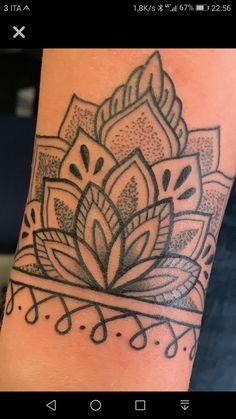 Henna arm tattoo, tatoo, wrist henna, cuff tattoo, back of arm tattoo Henna Arm Tattoo, Mandala Wrist Tattoo, Wrist Henna, Cuff Tattoo, Anklet Tattoos, Mandalas Tattoos, Piercing Tattoo, Simple Mandala Tattoo, Band Tattoo