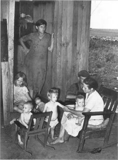 Dust Bowl family living in a one room shack Vintage Children Photos, Vintage Pictures, Old Pictures, Photos Du, Old Photos, Dust Bowl, Great Depression, Life Is Hard, History Facts