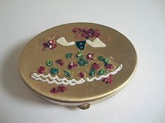 Vintage-Dancing-Girl-Powder-Compact-Matching-Lipstick-Case-Holder-Glass-Beads
