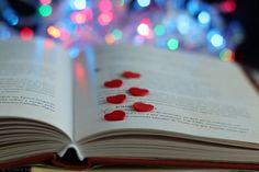 Love books #heart #books #lovebooks #bokeh