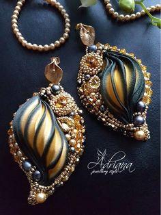 Goldblack calla shibori earrings by Adrianajewelrystyle