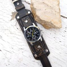 Mens Leather watch Antique black rustic leather Wrist by Jullyet