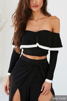 Frill Neckline Off Shoulder Long Sleeves Contrast Binding Crop Top - US$13.95 -YOINS